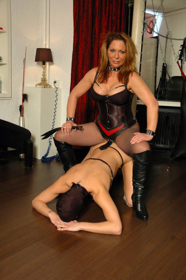 BDSM Domination sex dating in Barnsley